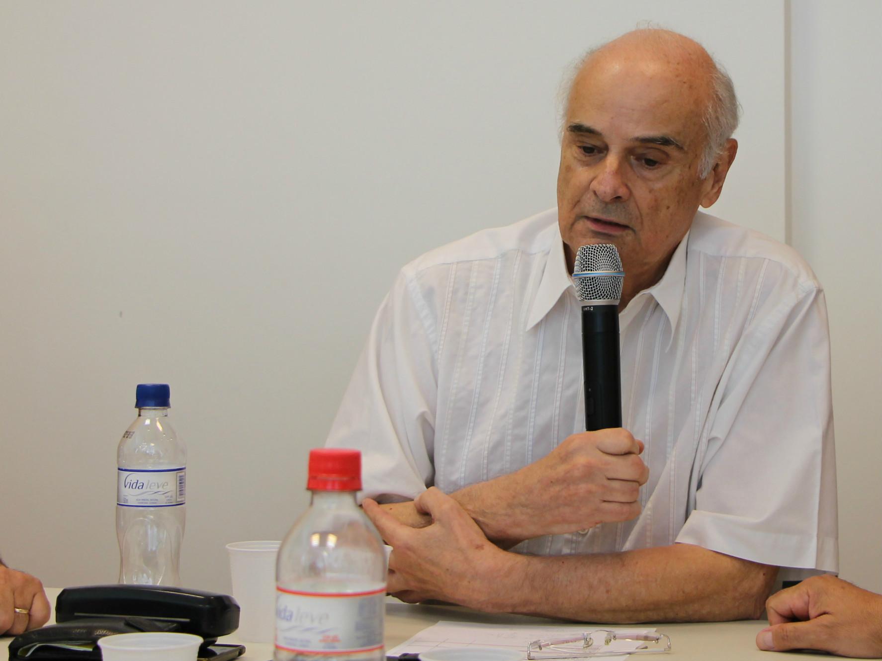 Roberto Py, Presidente do CAU/RS, abriu a roda de conversa.